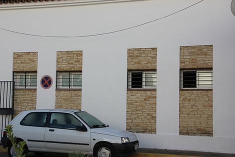 南欧の家の概観ポイント (4)