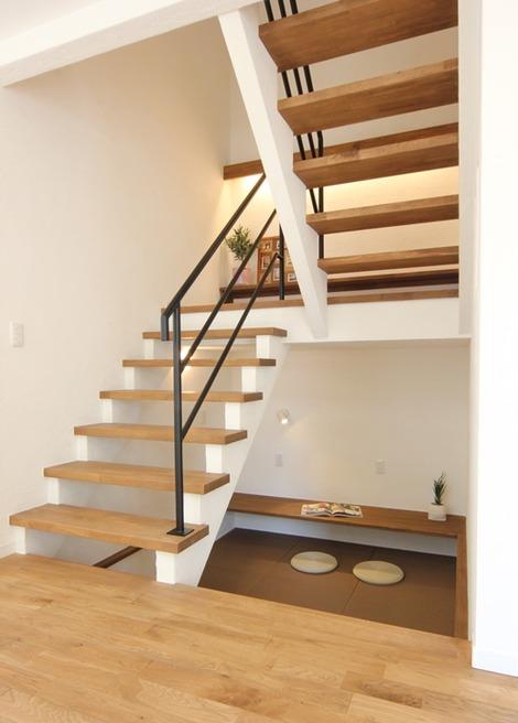 階段スペース利用(1)