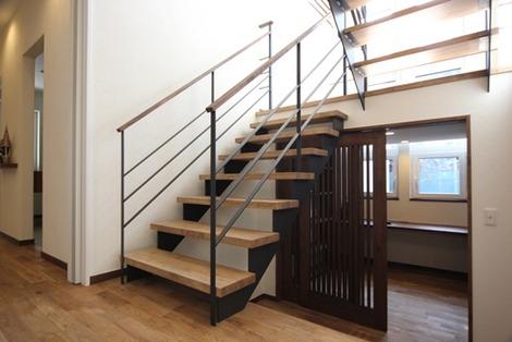 階段スペース利用(2)