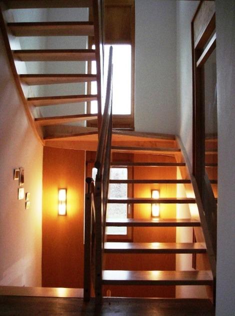 北欧の通し窓と階段 (1)