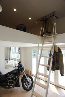 ビルトインバイクガレージの家 (2)