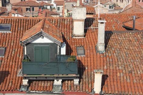 屋根上のバルコニー (4)