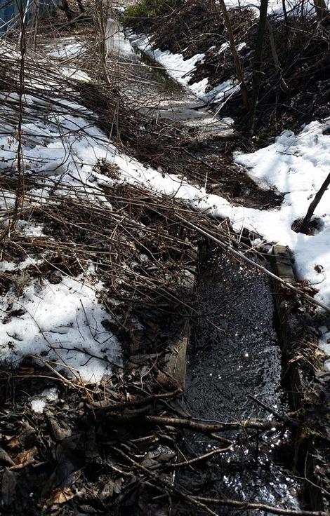 雪解け水路1