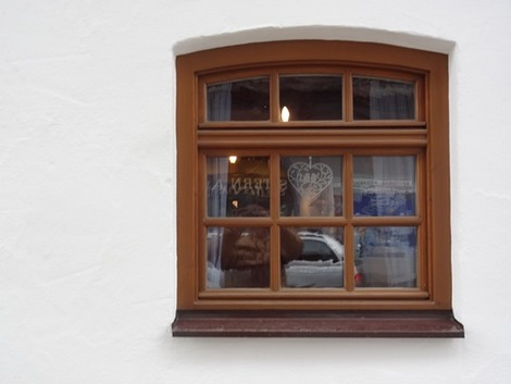 北欧住宅の窓辺 (3)