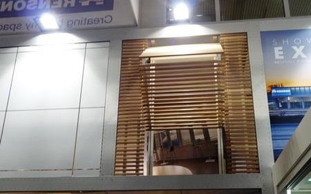 畳むスウィングシャッター(1)