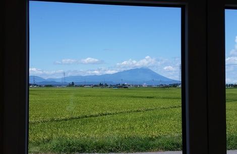 家の窓から (1)