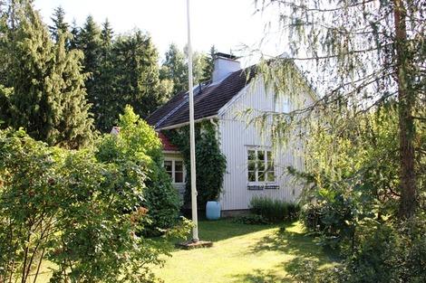北欧の家の庭先(4)