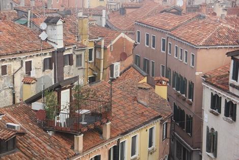 屋根上のバルコニー (2)