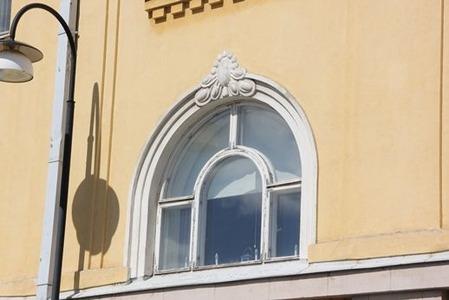 北欧住宅の窓際3