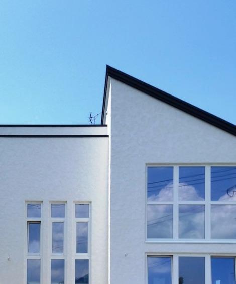 窓に青空(1)