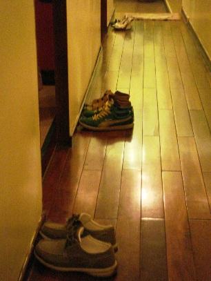前向きな靴たち