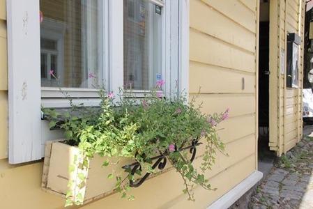 北欧住宅の窓際4
