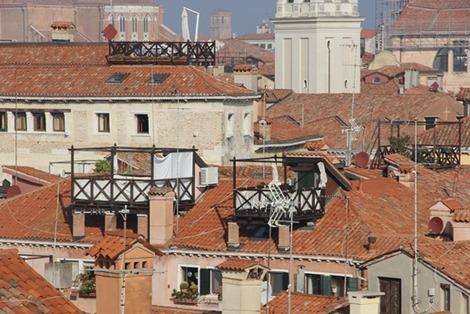 屋根上のバルコニー(6)