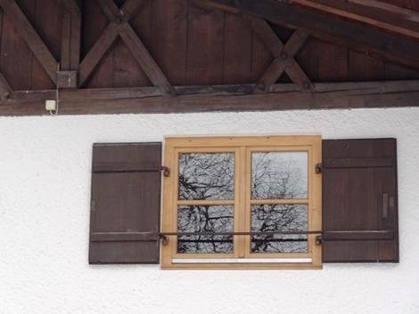 北欧住宅の窓辺 (5)