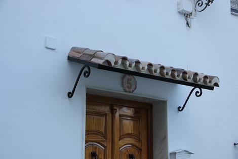 南欧の家の概観ポイント (3)