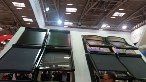 窓の暑さ対策 (1)