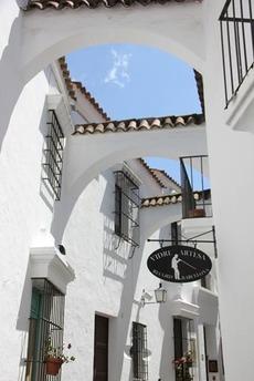南欧の白い壁の家(5)
