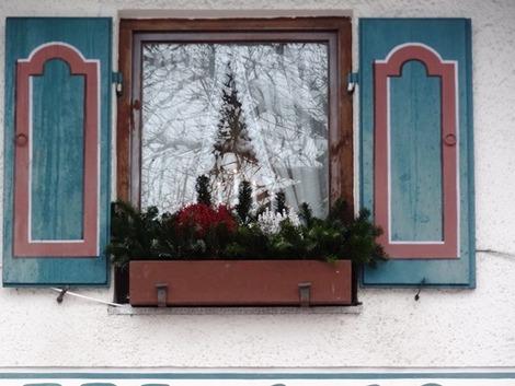 北欧住宅の窓辺 (4)