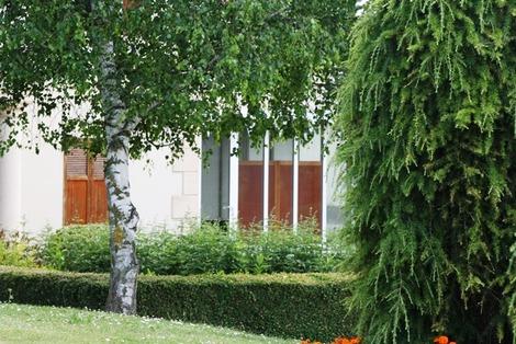 南欧の家の庭先(5)