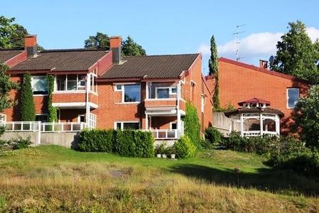 北欧のレンガの家