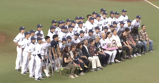 森本稀哲選手引退セレモニー、高橋朋己投手と脇谷亮太選手も松葉杖で参加
