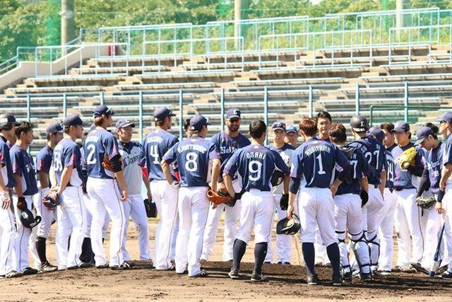 2015年10月2日宮崎入りをした埼玉西武ライオンズ南郷キャンプチームは3日から練習を開始した。