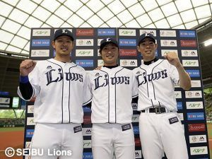 今日のヒーローは、武隈投手、秋山選手、浅村選手です!