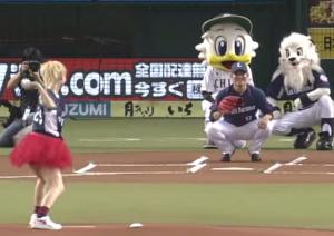 Dream Amiさんが始球式キャッチャーは高橋朋己投手