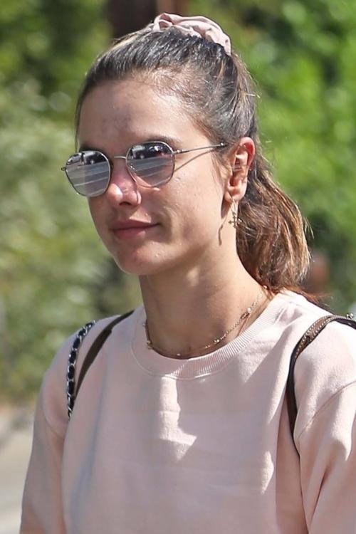 アレッサンドラ・アンブロジオ