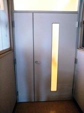 この扉の向こうは回復室