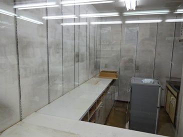 調剤室改装1