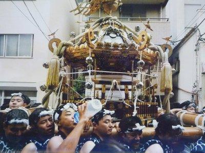 佃島の八角神輿