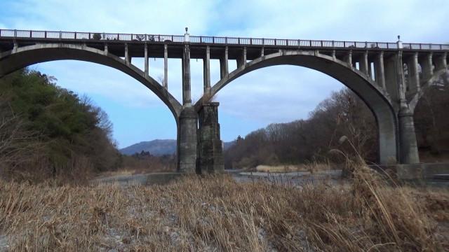 00243橋河原よりパーン