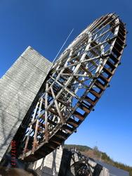 小里川ダムの水車