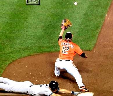 2012年9月8日 ボルチモア戦9回表 一塁塁審Jerry Mealsの誤審2