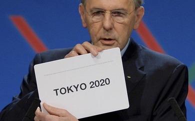 東京開催を示すIOCロゲ会長