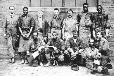 1920年代のニュージャージーの工場労働者