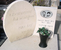 マン・レイの墓碑