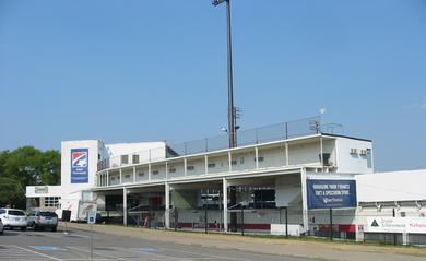 Herschel Greer Stadiumの簡素な外観