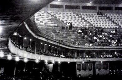 東京スタジアムのゴンドラシート