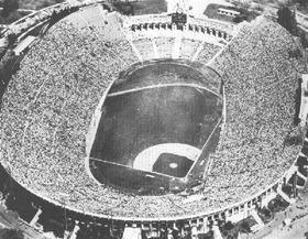 ボールパークだった時代のLos Angeles Memorial Coliseum