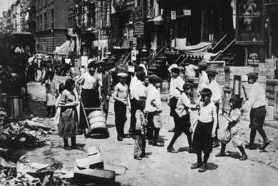 ロウワー・イーストサイドの路上の子供たち(1906)