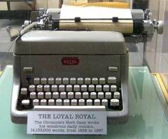 ハーブ・ケイン愛用のロイヤル社のタイプライター