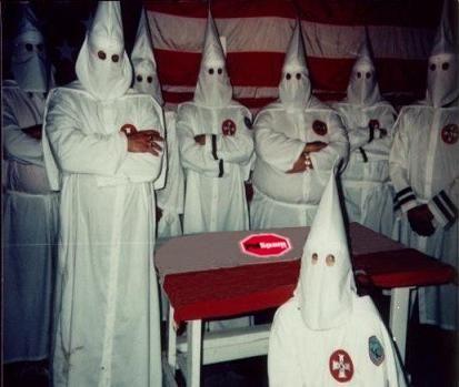 ダミアン座頭市:「KKK」は!白黒...