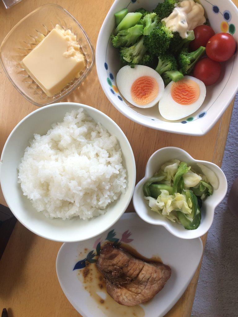 早めの昼食事