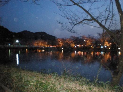 竜が池の夕景