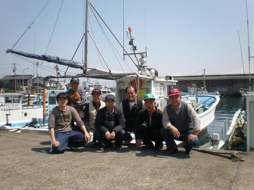 海釣り愛好会の雄姿。。