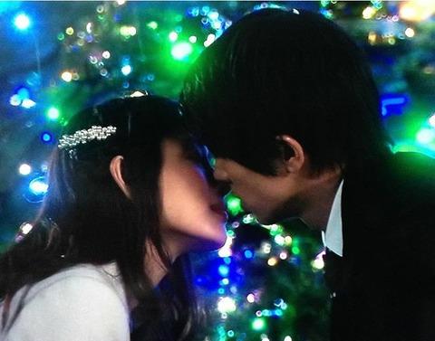 gojikarakujimade_kissscene