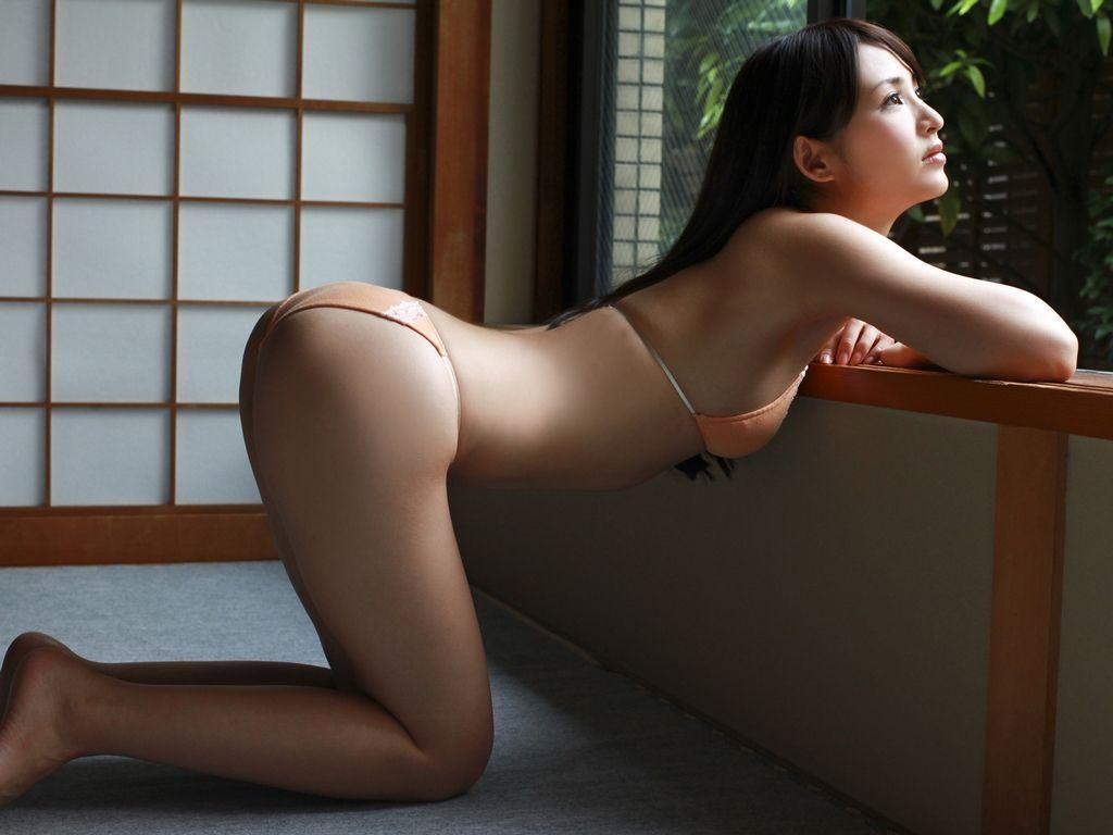 胸がないからお尻で勝負する鈴木咲の画像 40枚画像16