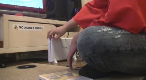 コジマ店員「すげえ実況撮ったった!」→実際は、WiiUにディスクを出し入れするだけの映像www